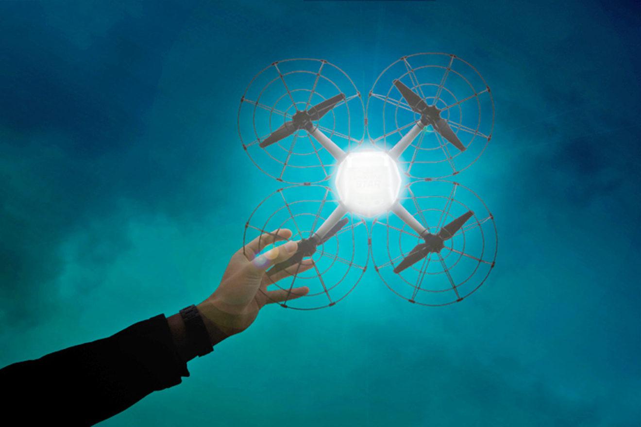 1200 droni di Intel volano in sincrono illuminati nella cerimonia di apertura delle Olimpiadi di PyeongChang per un record e una forma nuova di spettacolo