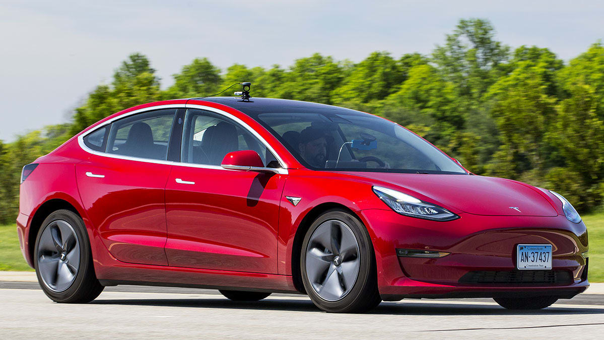 In California la Tesla Model 3 è l'auto più venduta in assoluto
