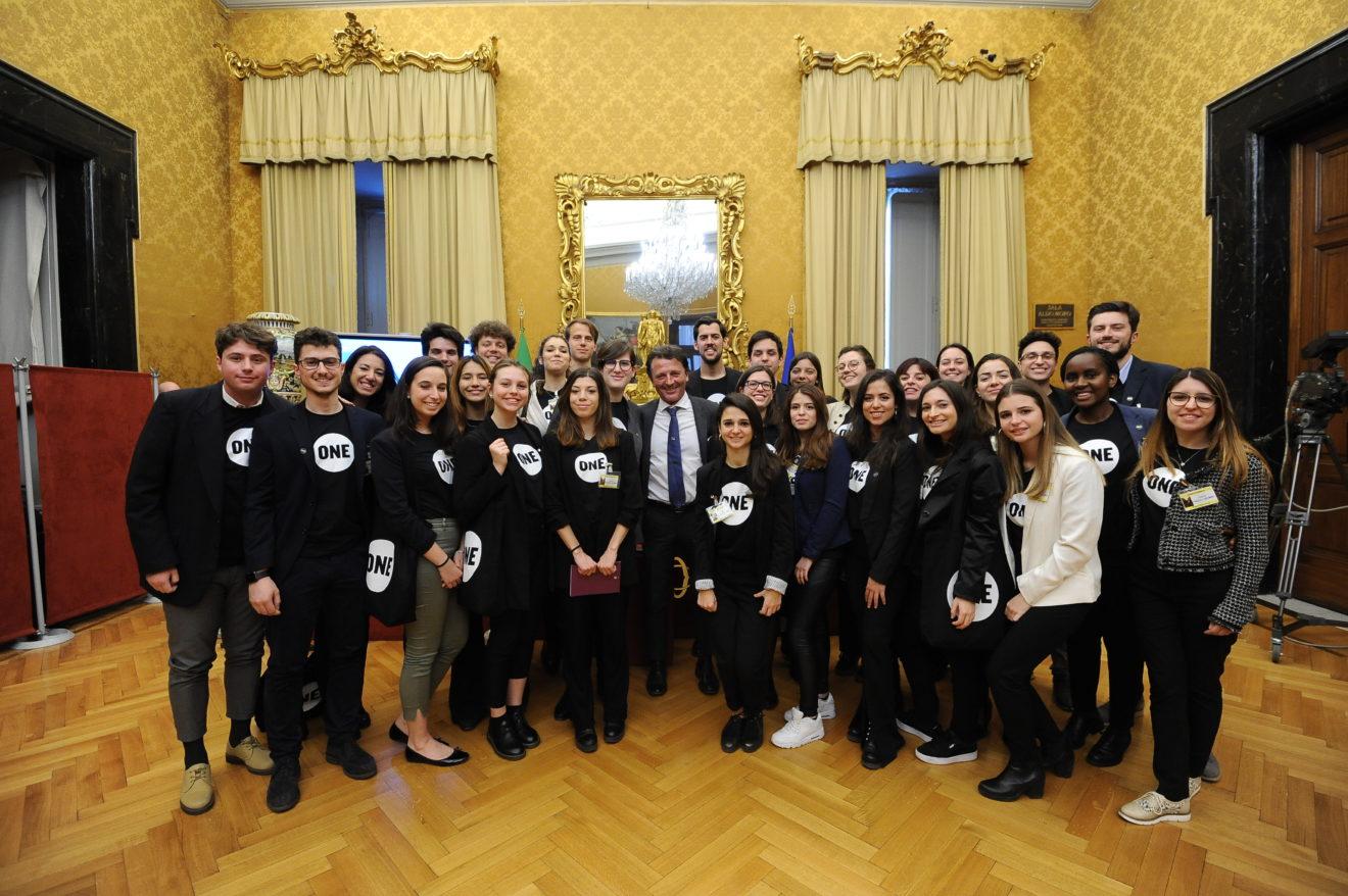 Tre giovani ambasciatrici di Torino si uniscono alla lotta globale contro la povertà estrema