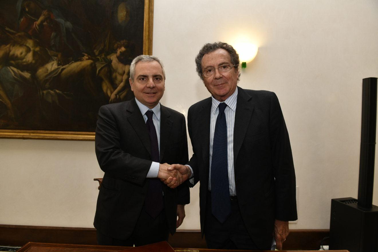 Da Intesa Sanpaolo e BEI 1 miliardo di euro per Midcap ed economia circolare