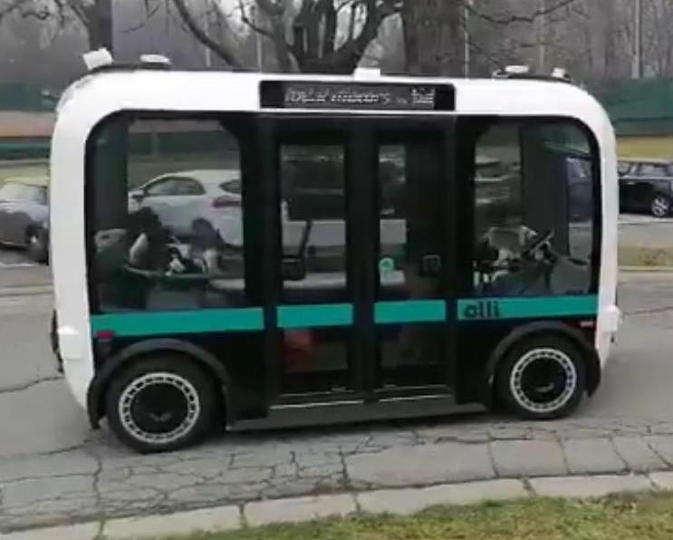 A Torino circolano i primi mini bus a guida autonoma, lo annuncia la ministra dell'Innovazione, Paola Pisano