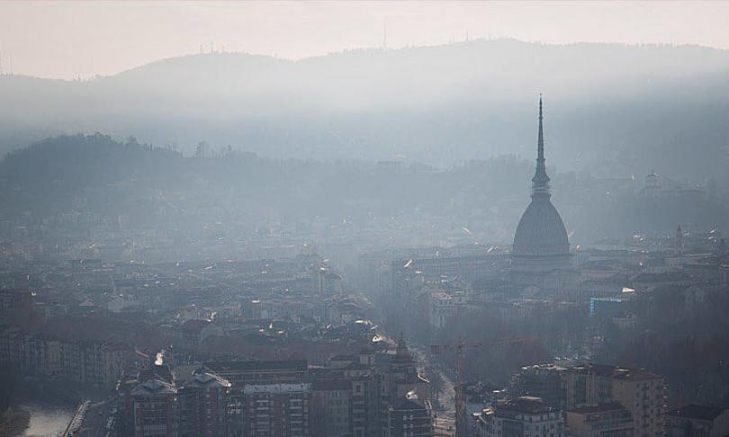 Secondo uno studio di Harvard chi vive in zone più inquinate atmosfericamente ha un rischio dell'11% in più di morire per coronavirus