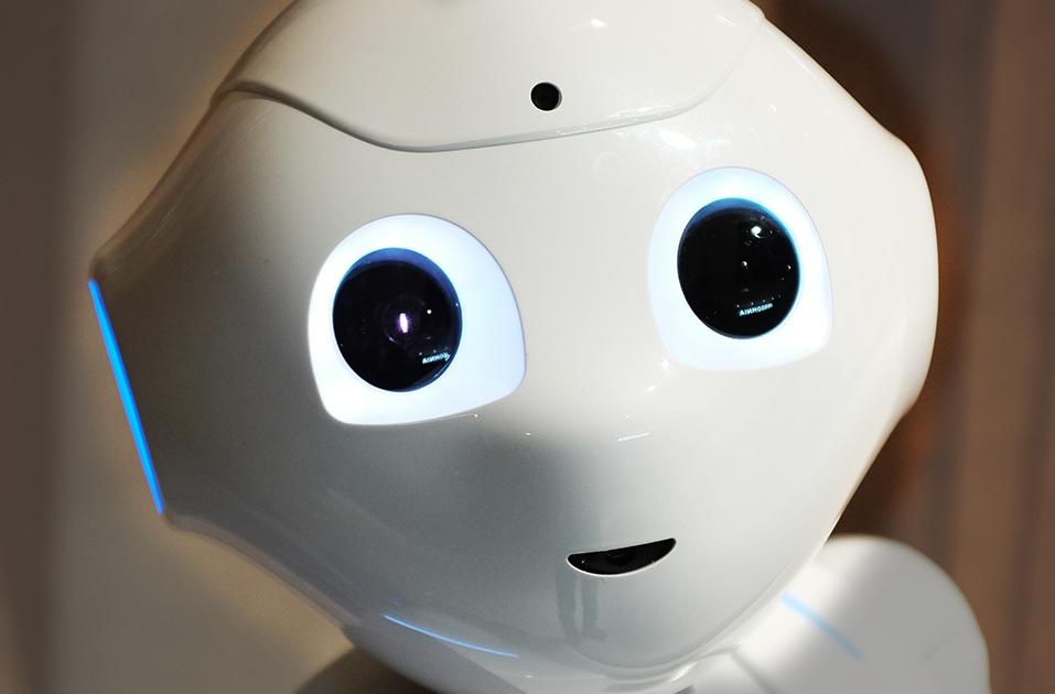 Per una nuova etica dell'intelligenza artificiale: le tecnologie rinnovano e cambiano l'umano